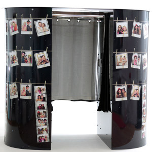 enclosed-polaroid-booth